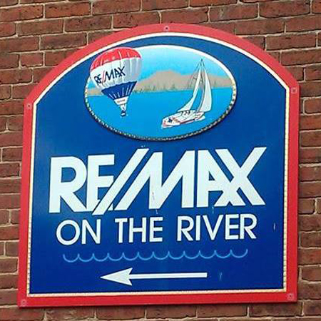 RE/MAX On the River (Social Media Client)
